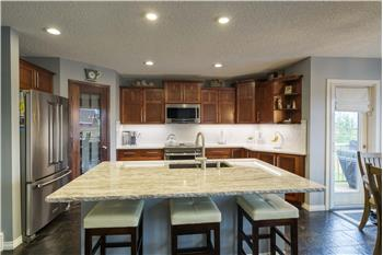 Primary listing photos for listing ID 588306