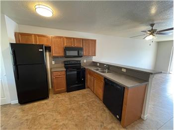 Primary listing photos for listing ID 584507