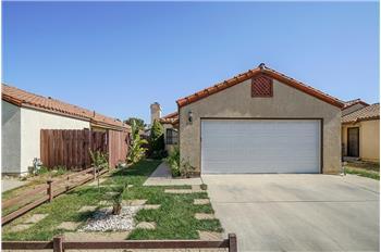 2140 N. Chestnut Lane, Santa Maria, CA