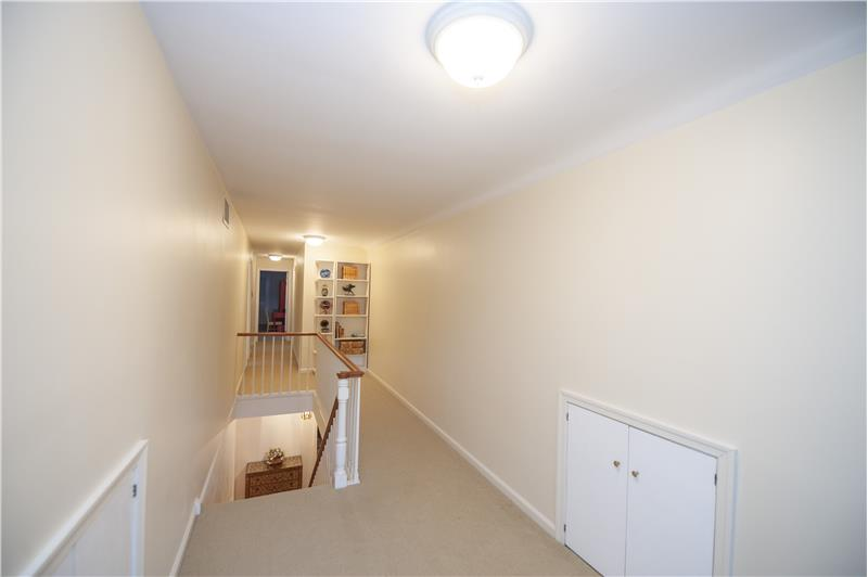 2232 N Stone Ridge Lane Hallway