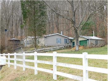 2256 W Wheeler Hollow Rd, Vallonia, IN