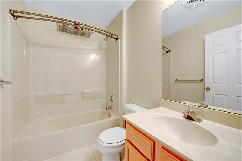 226 Paperbirch Drive, Collegeville, Bathroom 2