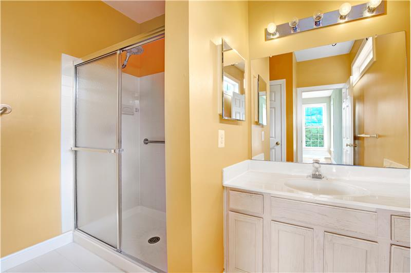 226 Paperbirch Drive, Collegeville, First Floor Primary Bathroom