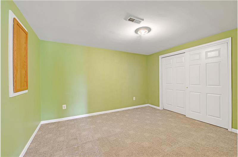 226 Paperbirch Drive, Collegeville, Guest Room