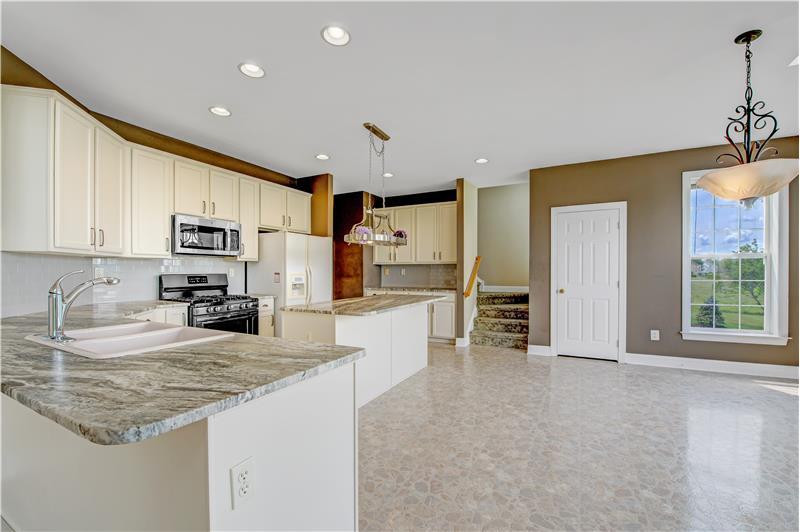 226 Paperbirch Drive, Collegeville, Kitchen
