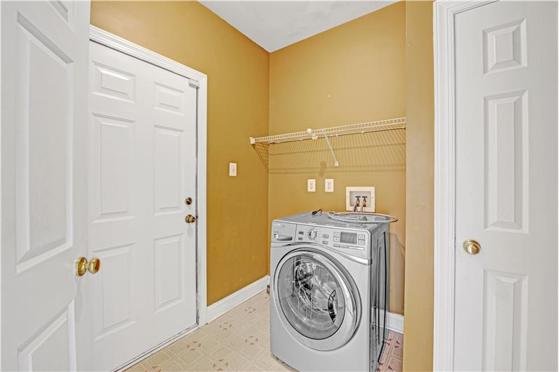 226 Paperbirch Drive, Collegeville, Laundry