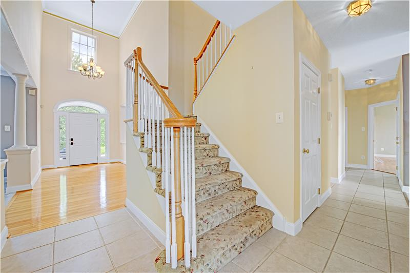 226 Paperbirch Drive, Collegeville, Stairs