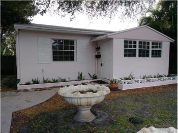 2306 Dewey St, Hollywood, FL