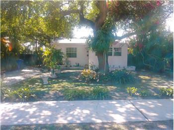 2306 Dewey St, Hollywood, FL