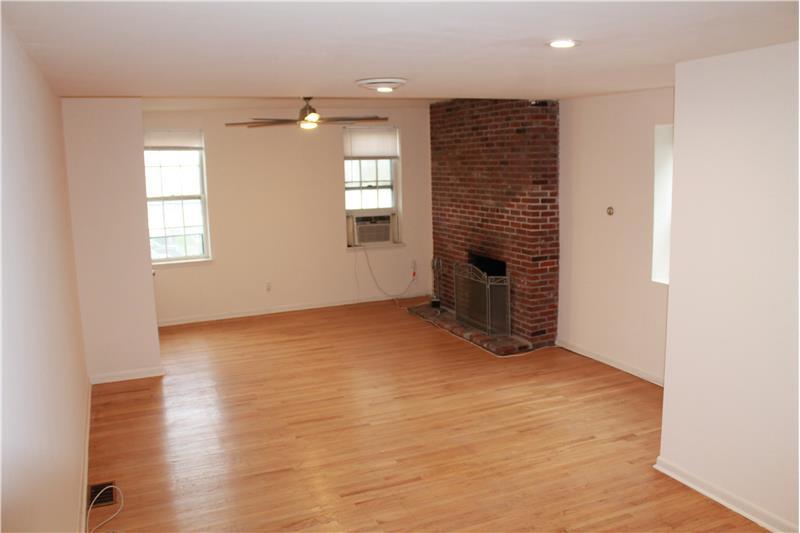 2321-23 Sansom Street #2C Rental Living Room