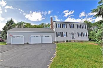 24 Fox Run Rd, Bellingham, MA