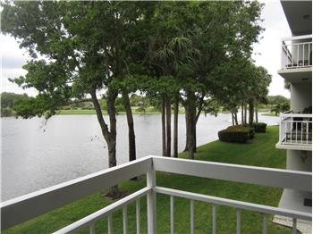 Primary listing photos for listing ID 584504