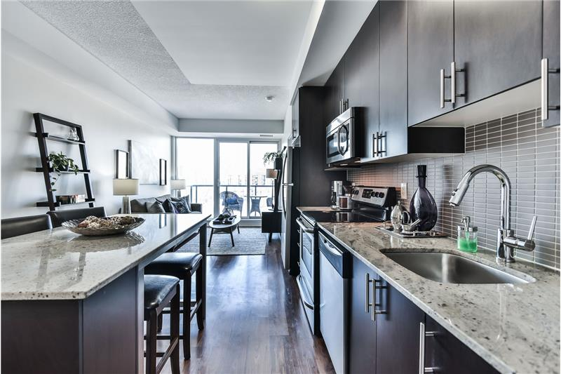 260 Sackville St 1 bedroom with den - kitchen