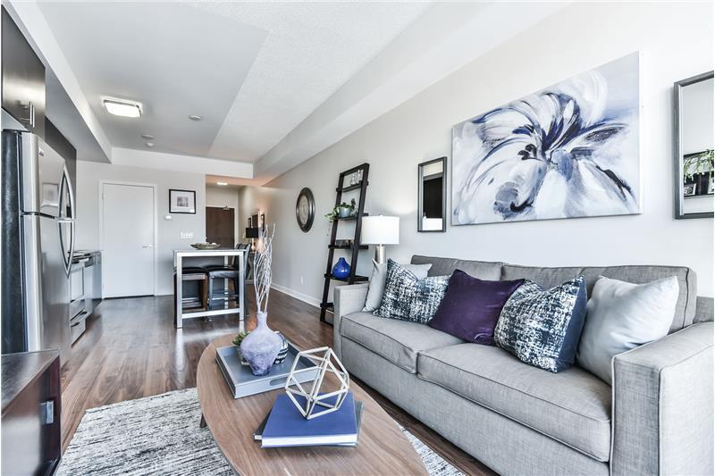 260 Sackville St 902 - 1 bedroom with den - kitchen