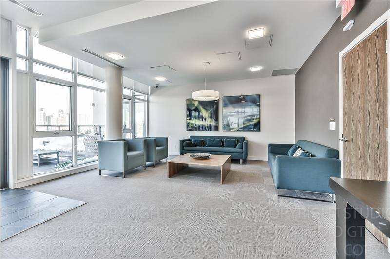 260 Sackville St 1 bedroom with den - lounge