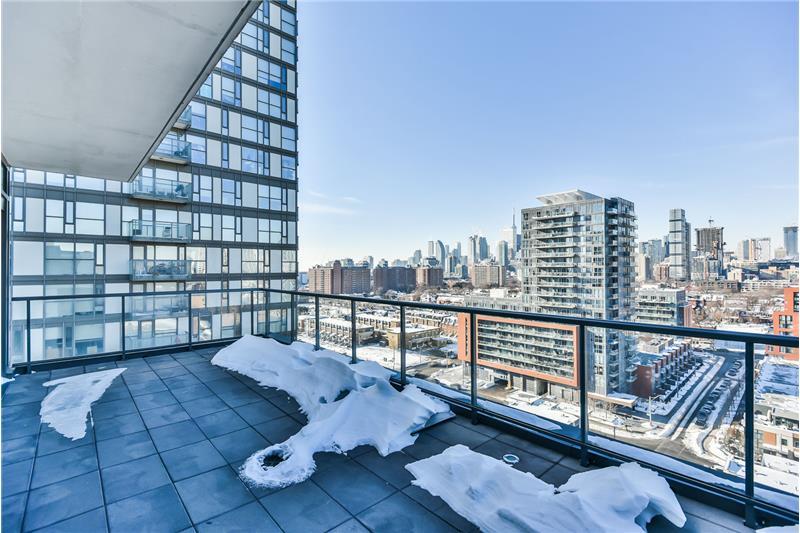 260 Sackville St 1 bedroom with den - west roof terrace