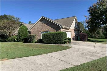 Primary listing photos for listing ID 582168