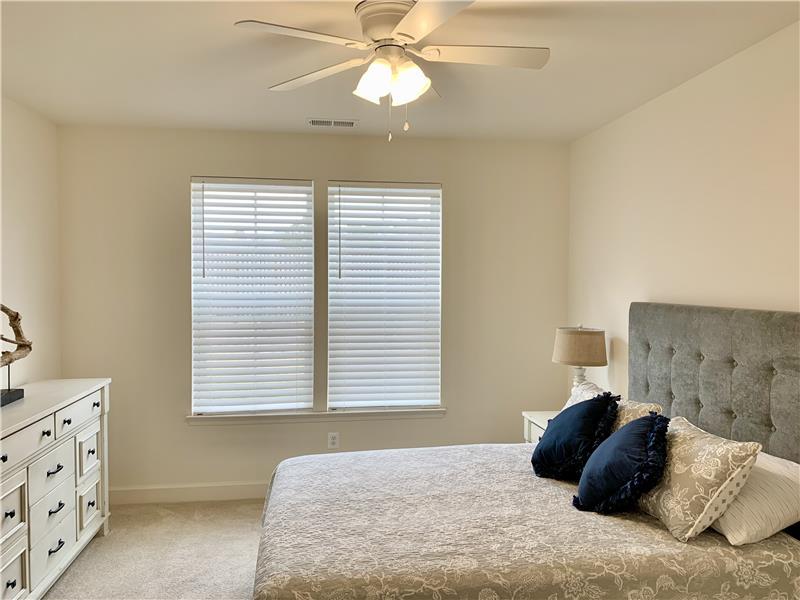 Main Level Bedroom w/ Queen Bed