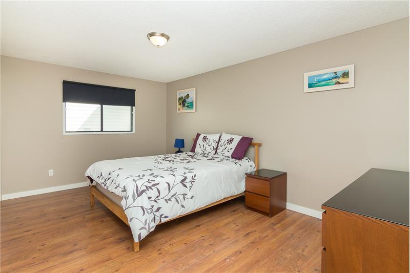 Huge 3rd bedroom