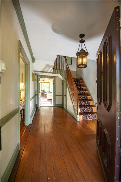 2854 Egypt Road Entry Foyer