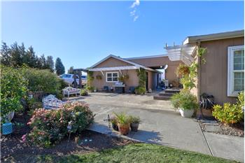 Primary listing photos for listing ID 591901
