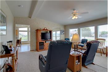 Primary listing photos for listing ID 573227