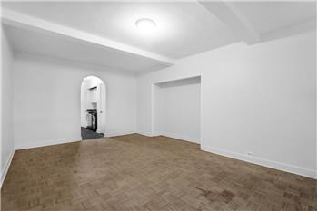 307 East 44th Street #113, New York, NY