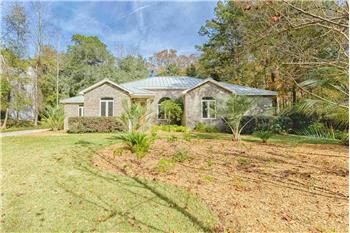 Primary listing photos for listing ID 582260