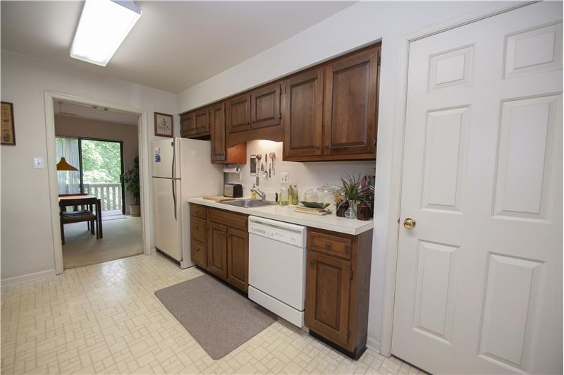 321 Paoli Woods Kitchen