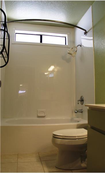Hall Bath with Tub, Shower & Window
