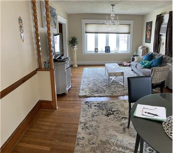 Primary listing photos for listing ID 589648