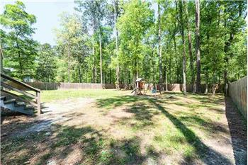 Primary listing photos for listing ID 585540