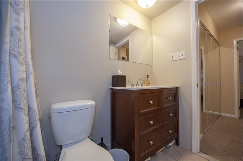 352 Drummers Lane Bathroom