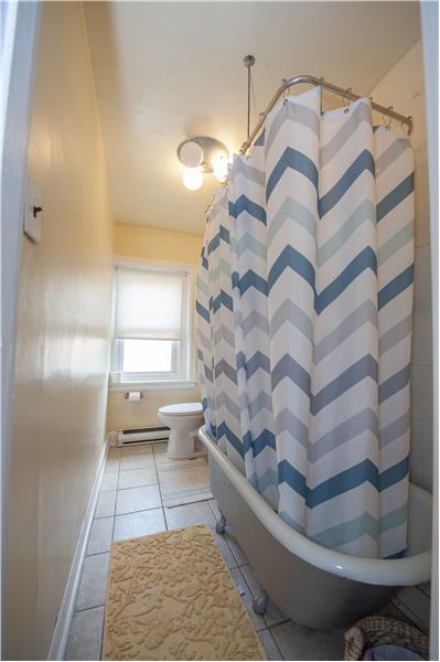 39 S High Street, West Chester 3rd Floor Apartment Bathroom