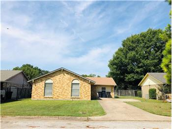3900 Clotell Dr., Fort Worth, TX