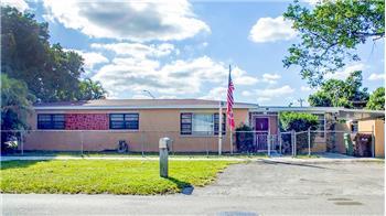 398 E 57th St, Hialeah, FL