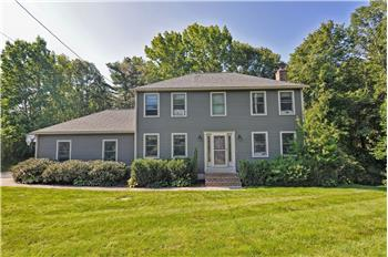 4 Woodchester Rd, Franklin, MA