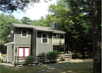 40 Beechwood Rd, Lake Harmony, PA