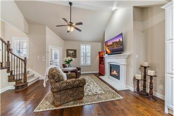 4257 Riverview Drive, Carrollton, TX