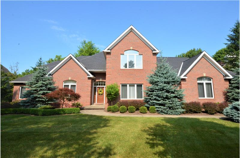 Welcome to 4555 Hunting Valley Lane in Brecksville Ohio!