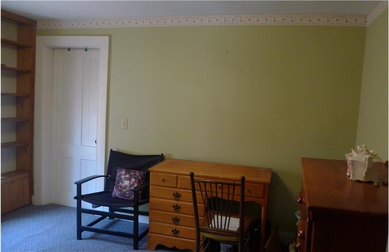 Room used as office or bedroom