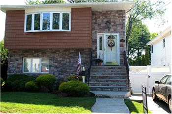 48 Fieldway Ave Two Family 7/3, Staten Island, NY