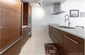 485 Brickell Ave 2606, MIAMI, FL