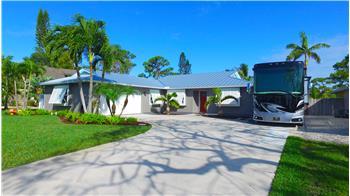 4933 SE Pine Knoll Way, Stuart, FL
