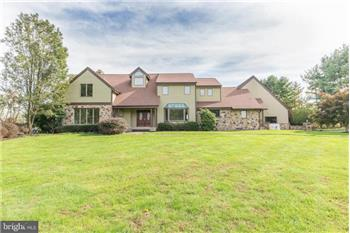 5 Mount View Ct, Newtown, PA