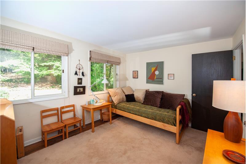 504 Meadowbrook Circle Bedroom 3