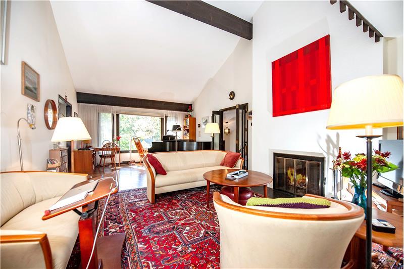 504 Meadowbrook Circle Fireside Living Room