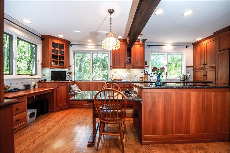 504 Meadowbrook Circle Kitchen
