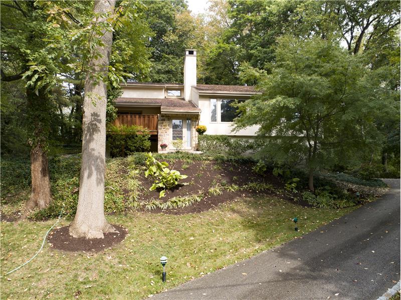 504 Meadowbrook Circle Exterior Front