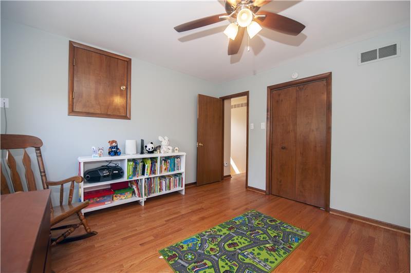 513 Flora Circle Bedroom 2